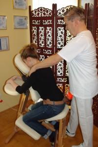 Masszázs széken ( irodamasszázs )